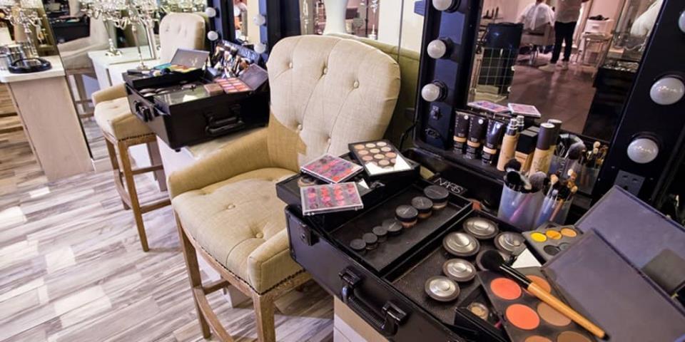 купить готовый салон красоты по франшизе одного из самых крутых брендов страны Prive7 - успех обеспечен