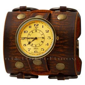 Часы с широким кожаным коричневым ремешком
