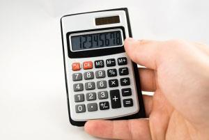 Калькулятор в руке