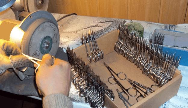 На фото: Заточка режущих инструментов как бизнес
