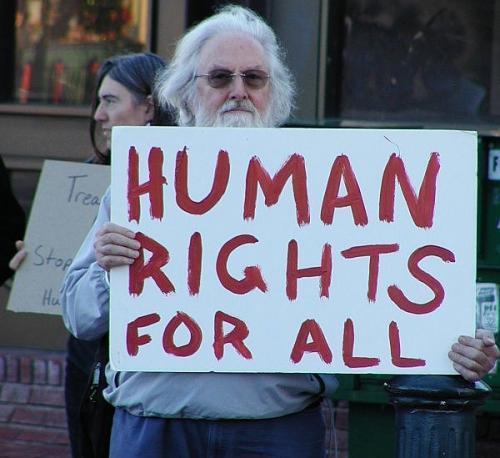 Политика и подходы компаний в области прав человека