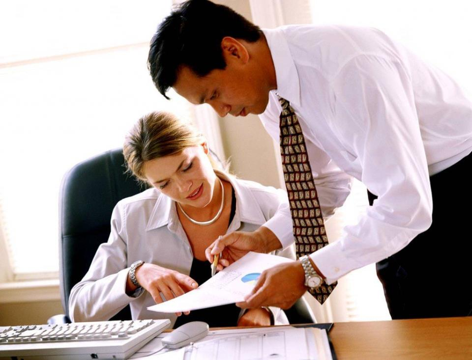 Обычно право внедрять решения, которые могут изменить ситуацию, имеют менеджеры высшего и среднего звена