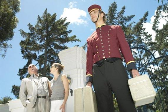 bellhop_with_hotel_guests