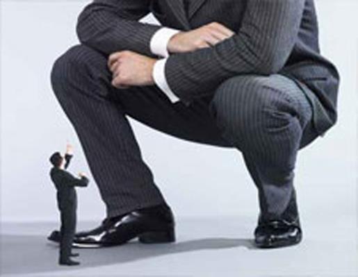 Крупный бизнес способен влиять на экономическое пространство вокруг себя