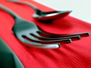фото ложки и вилки при сервировке стола