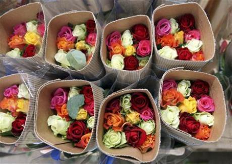 Пример цветочной корзины с подрезанными стеблями