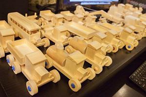 Деревянные игрушки - идея производства в гараже