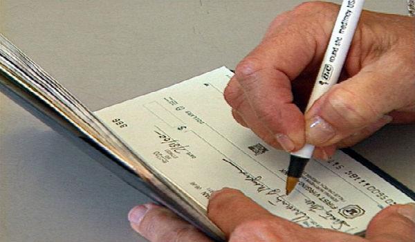 снять деньги ИП с расчётного счёта по чековой книжке