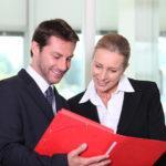 менеджер по рекламе выполняет должностные обязанности